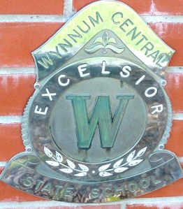 The Wynnum Central State School badge, now located at Wynnum State School.  Photography by Julie-Ann Ellis